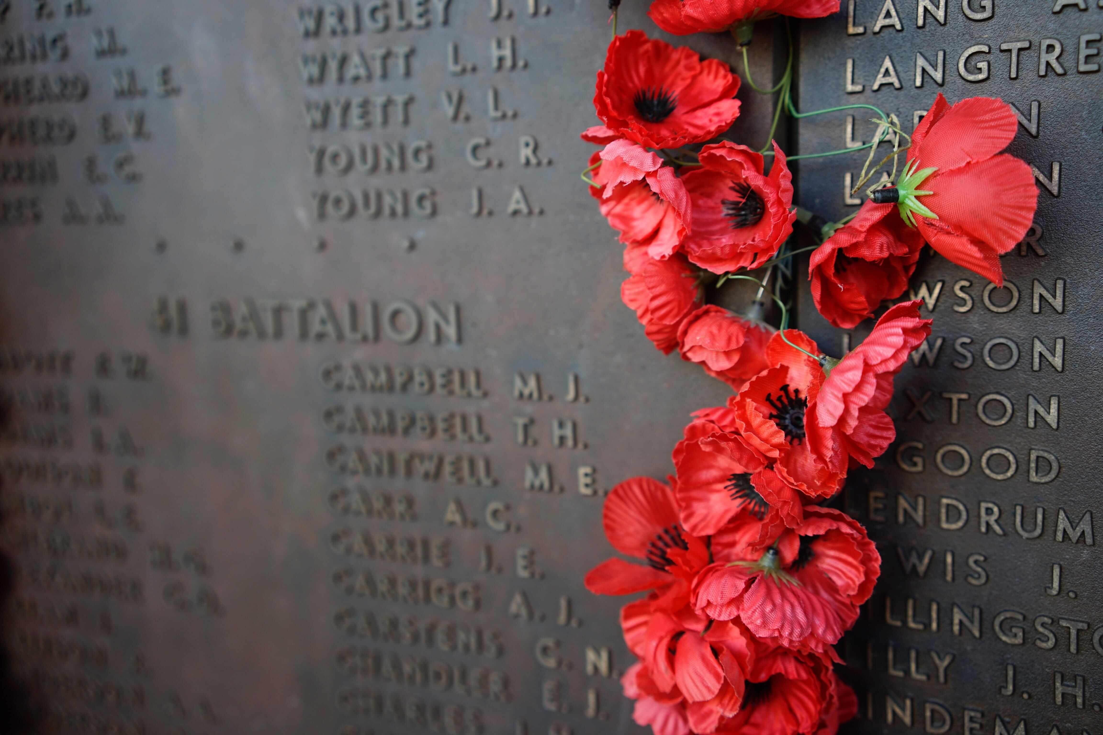 Poppies laid at Australia war memorial